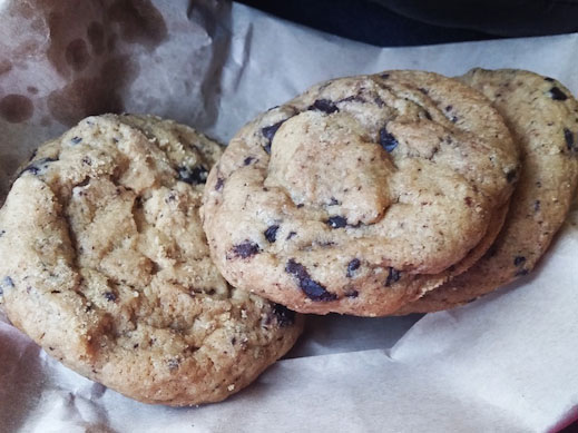 chocolate chip cookies (patch cafe, baguio)